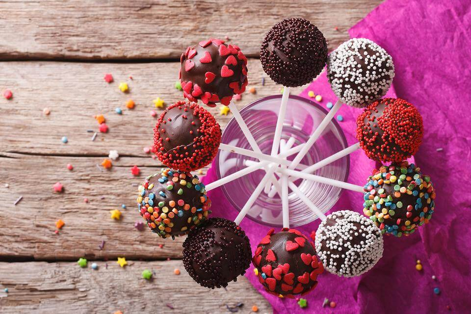 Try cake pops at home
