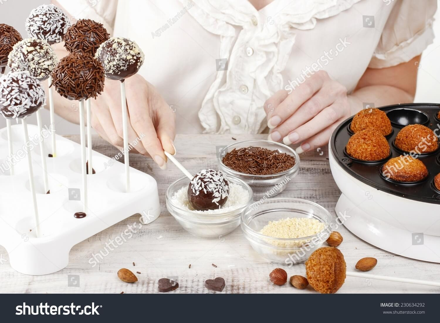 Delicious cake pops at home